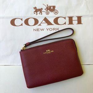 🌹🌹Coach Crossgrain Leather Corner Zip F58032